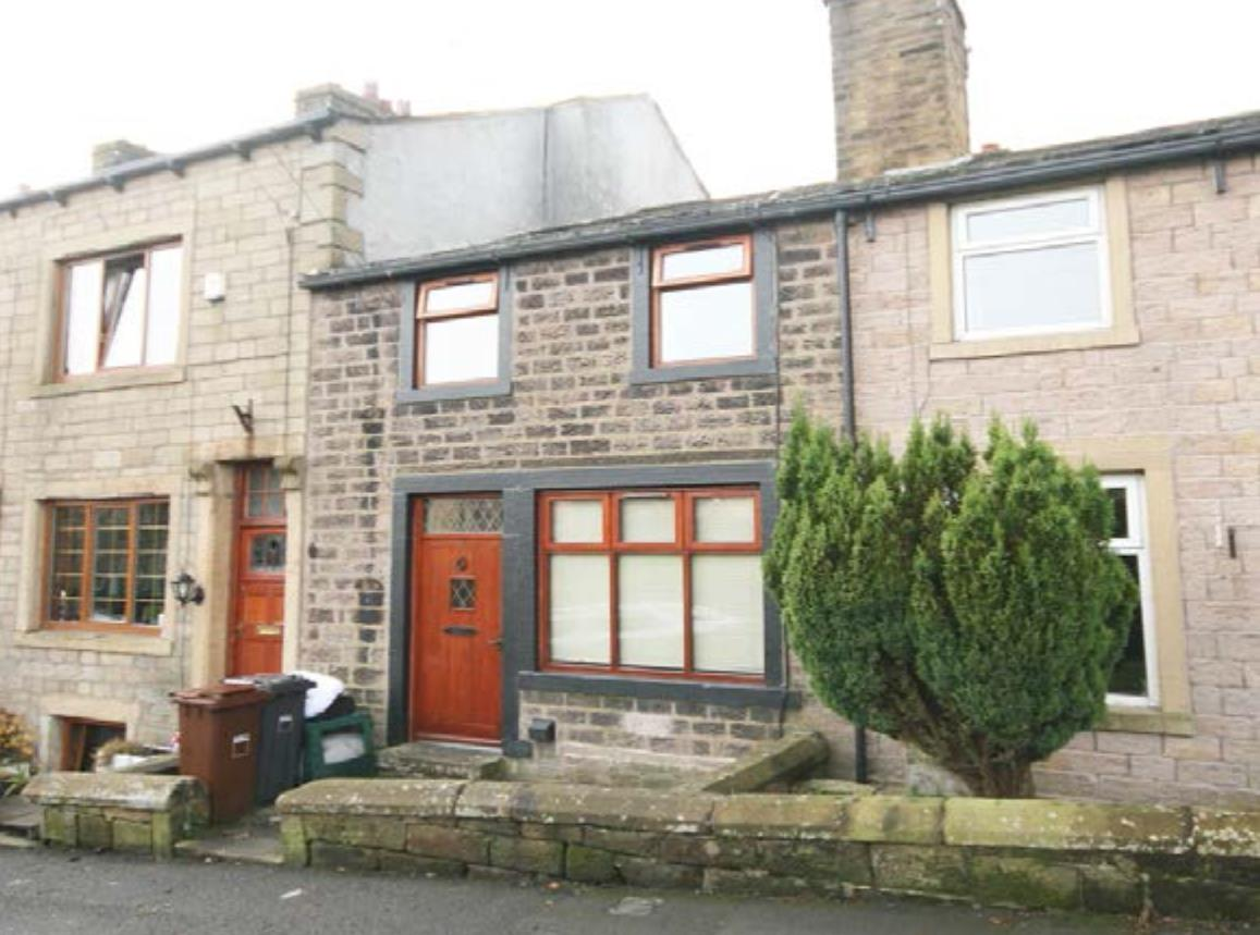 2 bedroom mid terrace house Let Agreed in Laneshawbridge - Property photograph